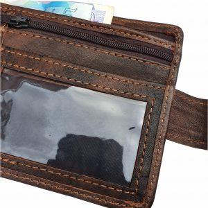 Bi-fold wallets